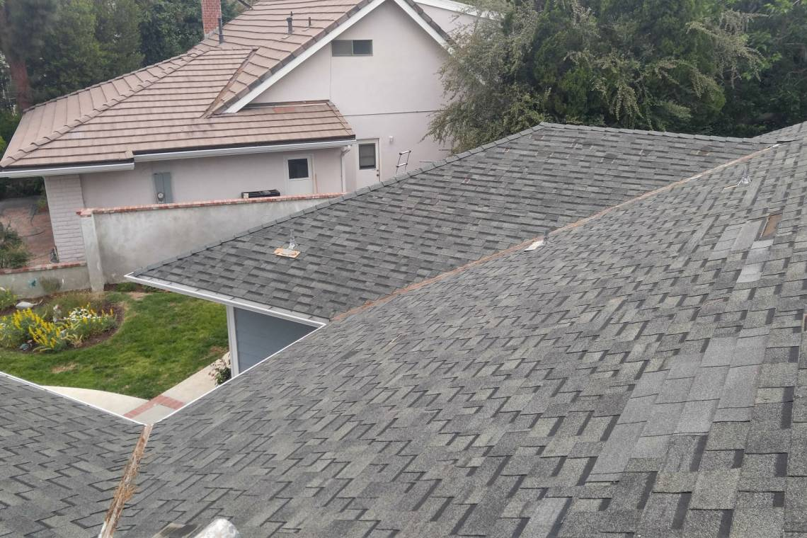 Lancaster solar panel installation project 12 elite solar for 3999 roof