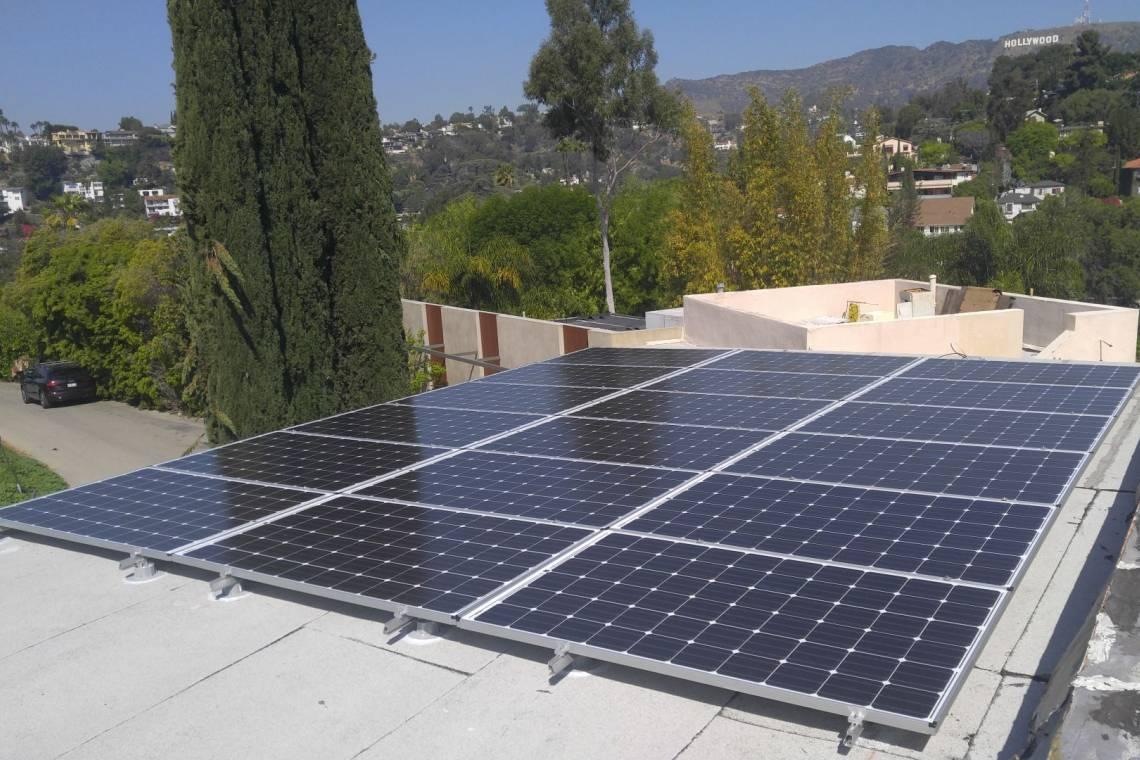 Pv Panels On A Burbank Roof Elite Solar
